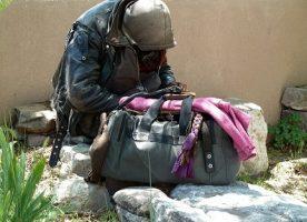 down and homeless mendigo pobre pixabay7