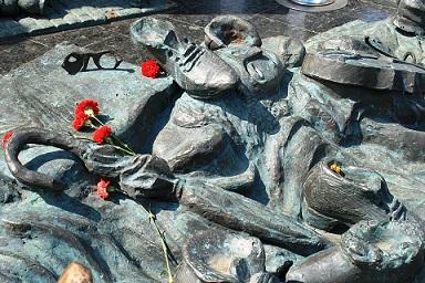 holocausto pixabay escultura