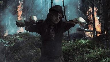 ciclo punk gotic arma hombre bosque noche pixabay