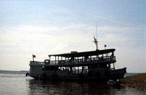 barco amazonas pixabay