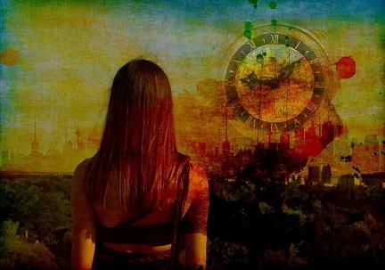 ciudad mujer bwlo pixabay