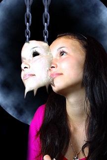 identidad mascara mujer pixabay