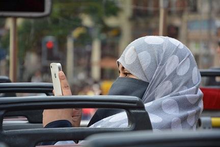 Musulman islam mujer en bus pixabay