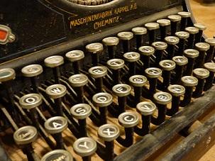 victoria maquina escritor pixabay