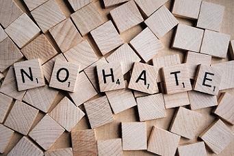 racismo hate crime odio pixabay