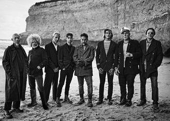 Los-Fabulosos-Cadillacs-beach-560-x-397