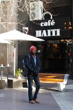 Chile Haitiano pasa frente foto Pablo sapag