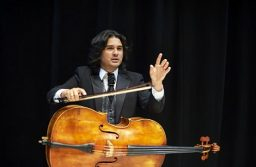 Diego Carneiro de Oliveira: Balance and love in every musical sentence