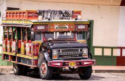 """""""Chivas""""… esos buses populares dondese baila viajando"""